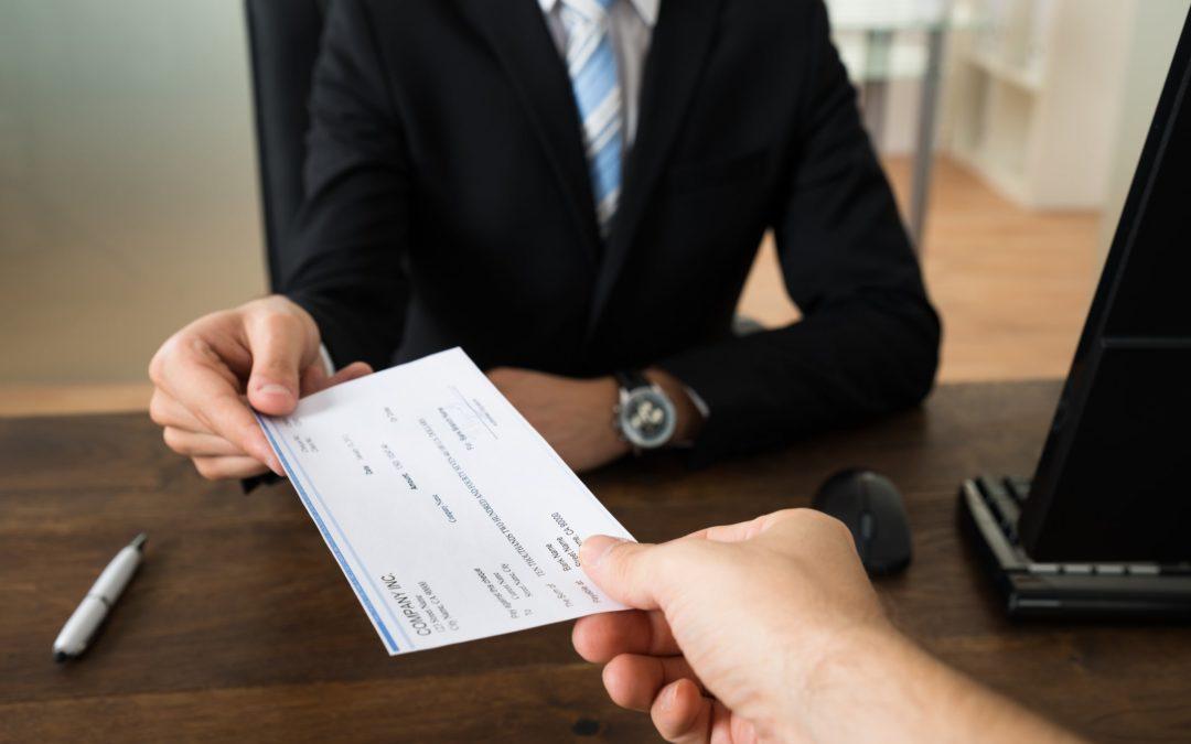 Vous vous payez un salaire : Quelles sont les options les plus avantageuses ?